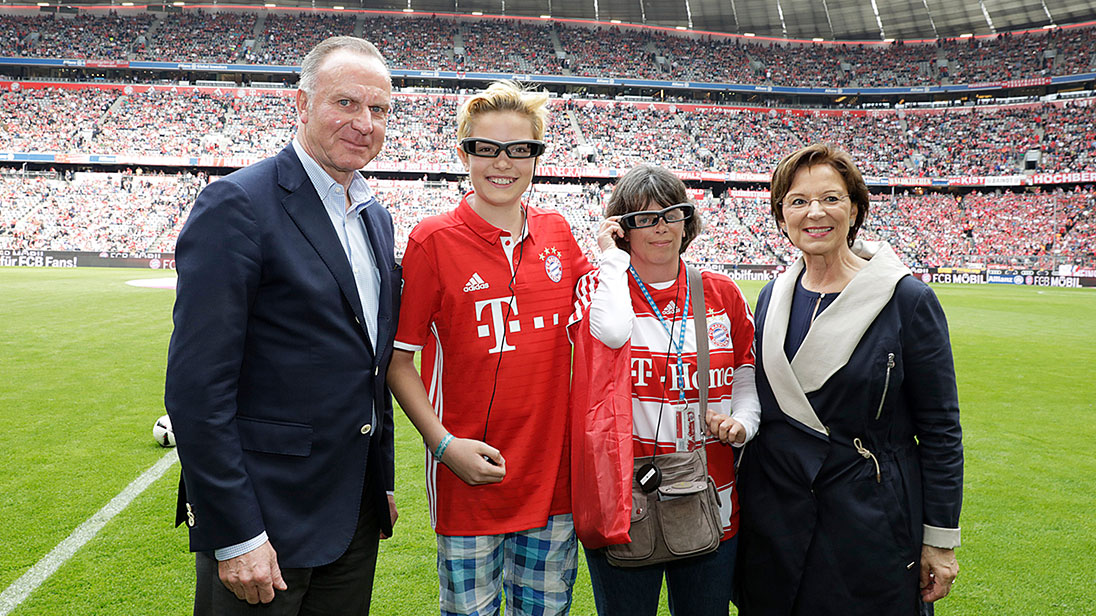 Bayern barrierefrei: fc bayern: digitale brille für hörbehinderte